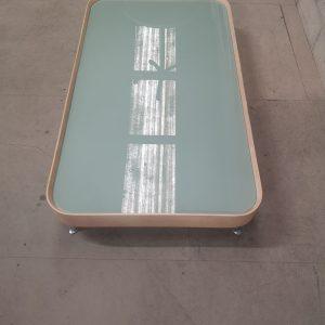 Table basse design en bois et verre